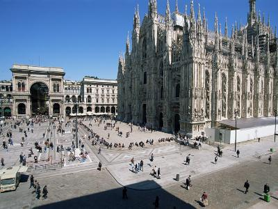 Piazza Del Duomo, Milan, Italy