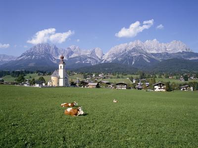 Going and Kaiser Mountains, Tirol (Tyrol), Austria