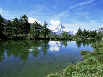 Stellisee and Matterhorn, 4478M, Valais, Swiss Alps, Switzerland