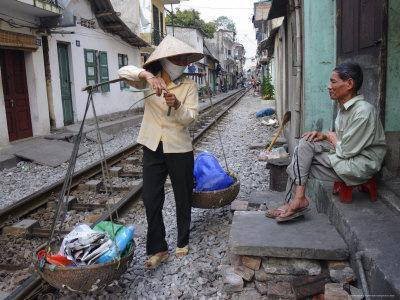 Daily Life by the Railway Tracks in Central Hanoi, Vietnam, Indochina, Southeast Asia