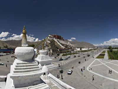 Panoramic View of the Potala Palace, Unesco World Heritage Site, Lhasa, Tibet, China