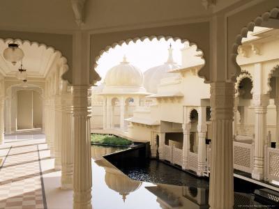 Udai Vilas Oberoi Resort Hotel, Udaipur Lake, Udaipur, Rajasthan State, India
