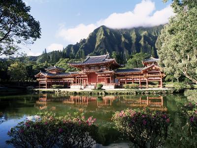 Byodo-In Temple, Windward, Oahu, Hawaiian Islands, USA