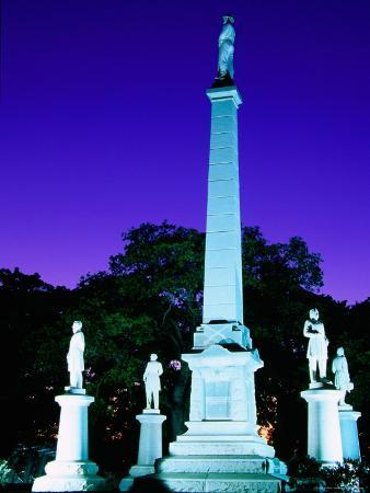 Confederate Memorial in Old Pioneer Cemetery, Dallas, Texas