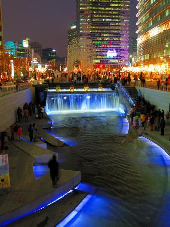The Cheonggyecheon Stream Draws Crowds of Locals Out in Early Evening, Seoul, South Korea