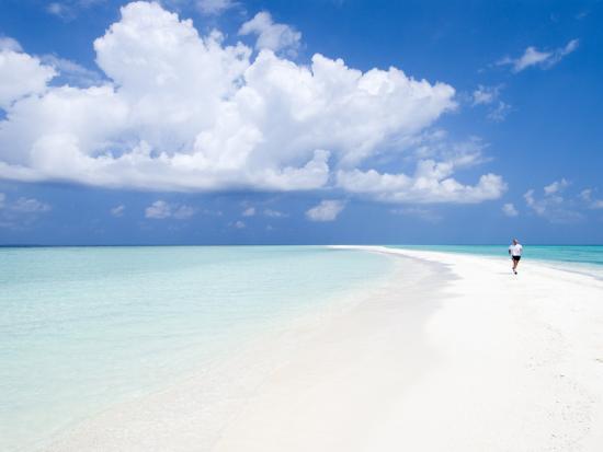 Morning jogger on sandbank kuramathi island rashdoo - Kuramathi wallpaper ...