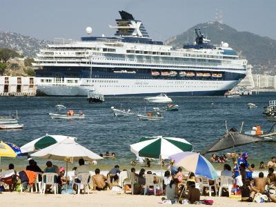 Acapulco Beach with Cruise Ship in Port, Acapulco, Guerrero, Mexico