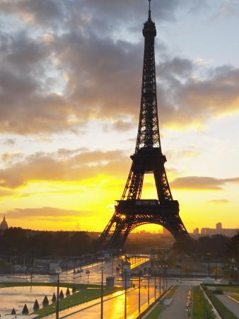 Eiffel Tower at Dawn, Place Trocadero Square, Paris, France