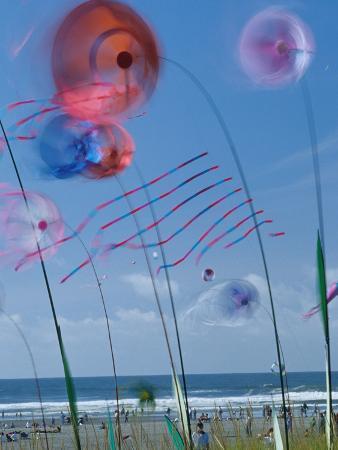 Kites Spinning, Washington State Kite Festival, Long Beach, Washington, USA