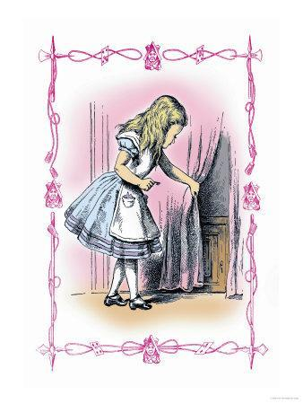 Alice in Wonderland: Alice Tries the Golden Key
