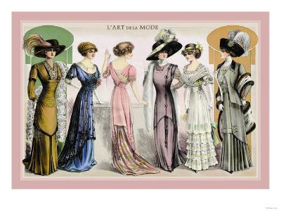 L'Art de la Mode: An Assortment of Elegant Gowns