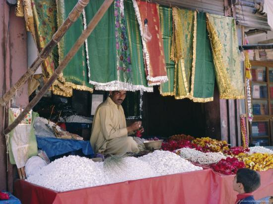 Stallholder, Data Durbar Shrine, Lahore, Pakistan