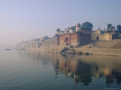 The Ganga (Ganges) River Waterfront, Varanasi (Benares), Uttar Pradesh State, India