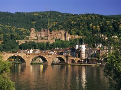 Castle, Neckar River and Alte Bridge, Heidelberg, Baden Wurttemberg, Germany, Europe