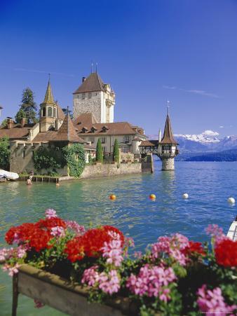 Lake Thun (Thunersee) and Oberhofen Castle, Bernese Oberland, Switzerland, Europe