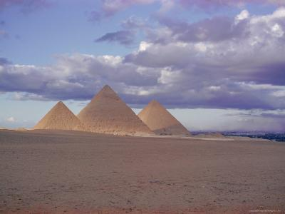 Pyramid of Menkewre (Left), Pyramid of Chephren (Centre), Pyramid of Cheops (Right), Giza, Egypt