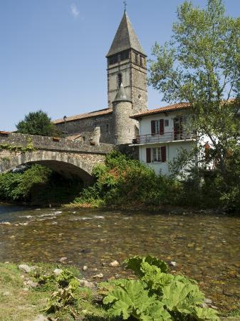River Nive, Saint Etienne De Baigorry St.-Etienne-De-Baigorry), Basque Country, Aquitaine, France