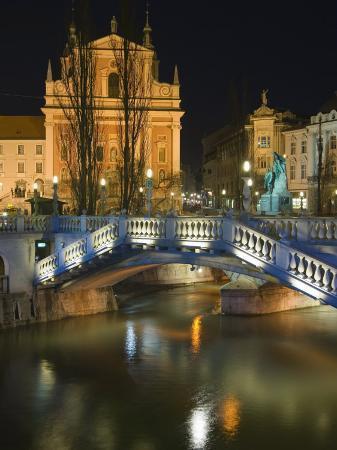 Tromstovje Triple Bridge Over the River Ljubljanica, Slovenia, Eastern Europe