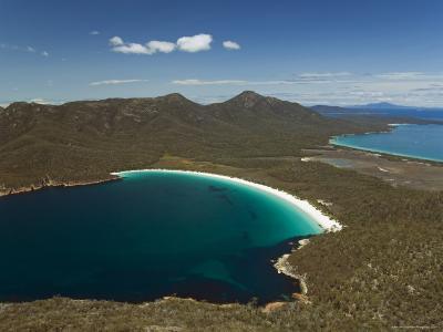 White Sand Beach of Wineglass Bay, Freycinet National Park on the Peninsula, Tasmania, Australia