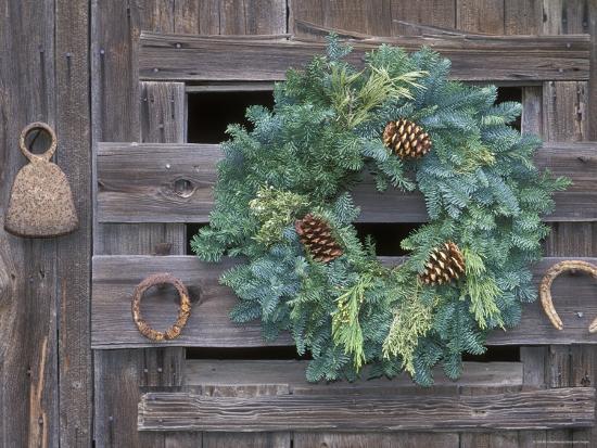 horseshoes and holiday wreath on arroyo hondo stables california - Horseshoe Christmas Wreath