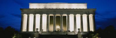Memorial Lit Up at Night, Lincoln Memorial, Washington DC, USA