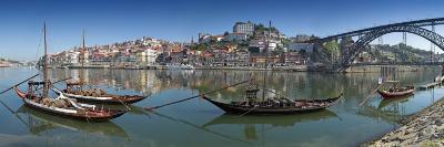 Ponte de Dom Luis I and Port Carrying Barcos, Porto, Portugal