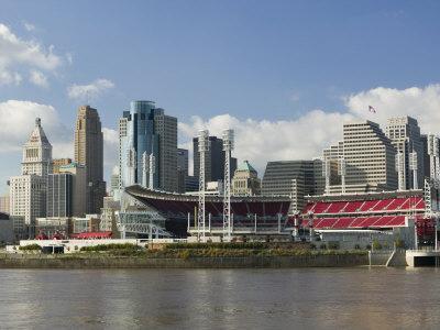 City Skyline along the Ohio River, Cincinnati, Ohio