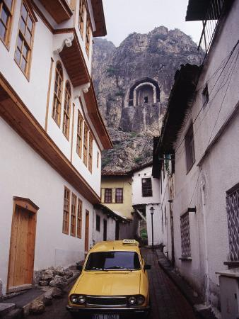 Taxi and Ottoman Houses, Amasya, Turkey