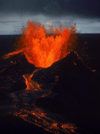 Kilauea Volcano Erupts, Big Island, HI