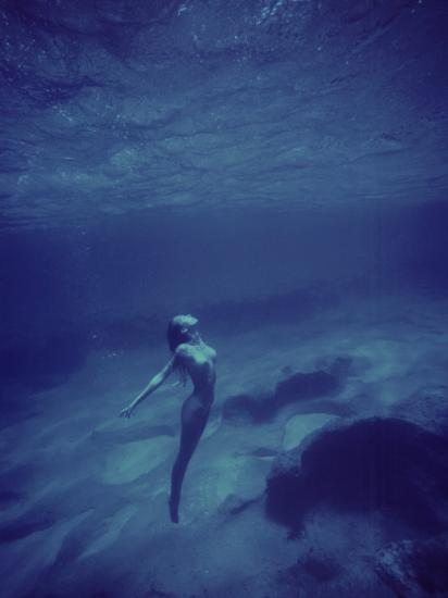 Nude Woman Suspends Herself Underwater, Hi Photographic Print By Vince Cavataio At -3468