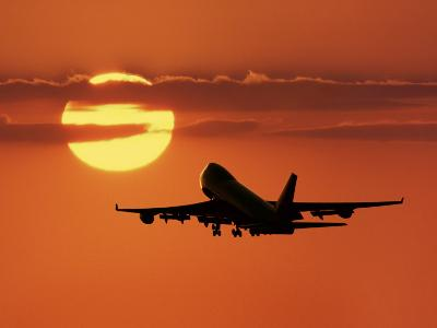 Commercial Airliner, Taking Off