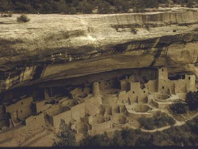Ancient Pueblo Indian Cliff Dwellings in Mesa Verde National Park