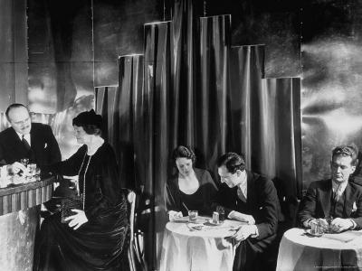 Couples Enjoying Drinks at This Smart, Modern Speakeasy Without Police Prohibition Raids