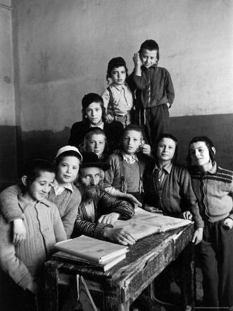 Portrait of Rabbi Eleazar Brizel and Students