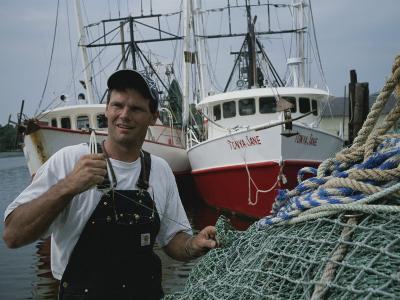 A Fisherman Repairing Nets