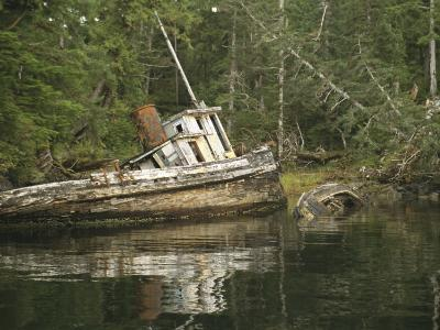 An Abandoned Tugboat on the Edge of Barnard Harbour