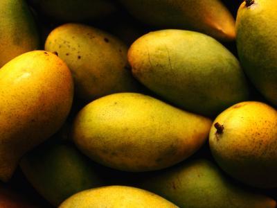 Nam Doc Mai Mangoes for Sale at Rapid Creek Market, Darwin, Australia