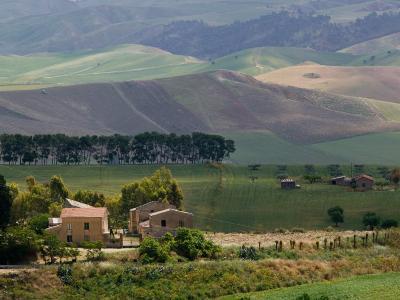 Farmhouse off Route S 122, Caltanissetta, Sicily, Italy
