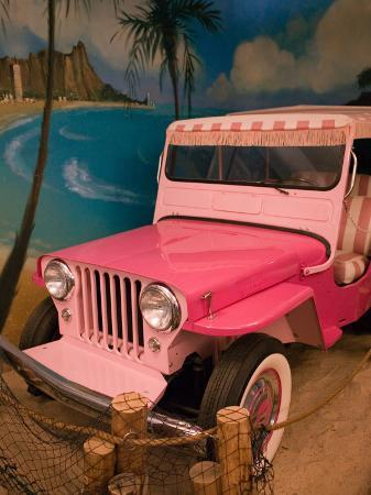 Pink Jeep, Elvis Presley Automobile Collection Museum, Memphis, Tennessee, USA