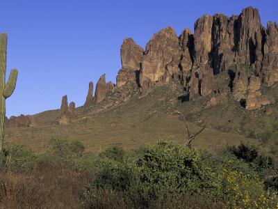 Superstition Mountains, Lost Dutchman State Park, Arizona, USA