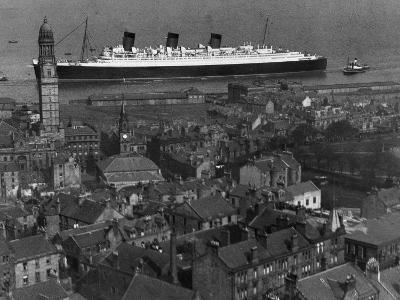Queen Mary Ship Sailing Past Greenock in 1936