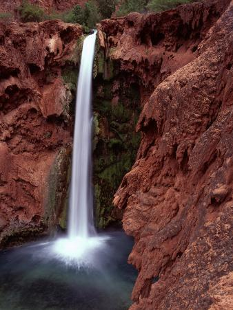 Mooney Falls in Parched Desert of Havasupai Reservation, Havasu Canyon, Arizona, USA