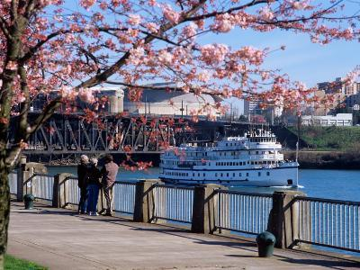 Boat on the Willamette River, Portland, Oregon, USA