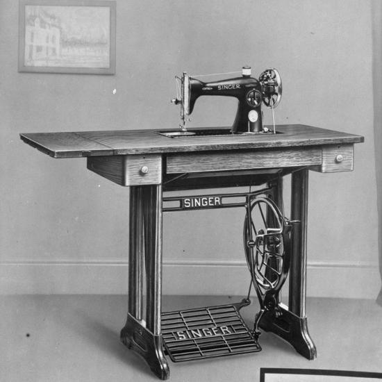 Pedal Foot Singer Sewing Machine Photographic Print At AllPosters Fascinating Singer Pedal Sewing Machine