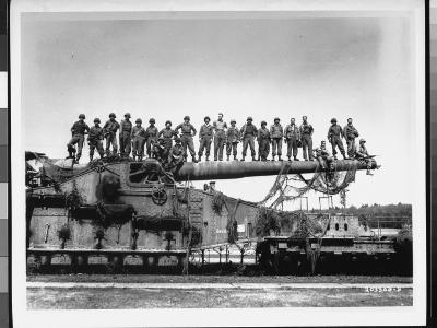 Men of US Army Easily Standing on Barrel of Mammoth 274 Mm Railroad Gun During WWII