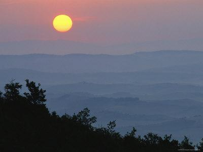 Sunrise over Ridges and Hills in the Tuscan Countryside