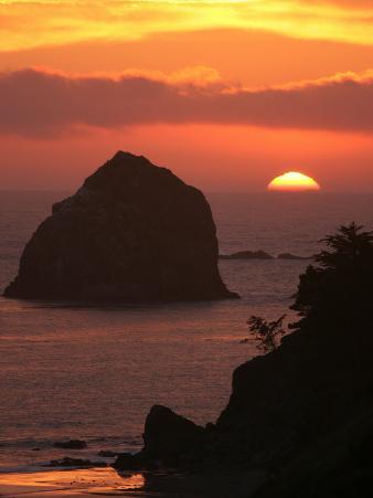 Sunset on the Oregon Coast Near Gold Beach