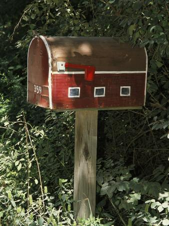 Mailbox Designed to Look Like a Barn