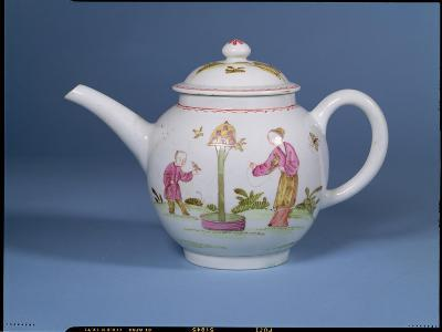 Teapot and Cover with a Dovecote and Two Chinoiserie Figures, c.1770-75