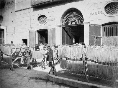 Pasta Drying in the Streets, Naples, 1897